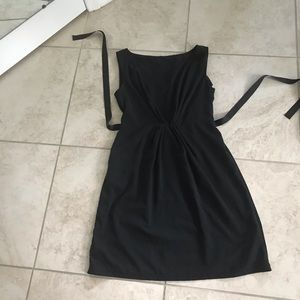 Simply Vera Black Waist Tie Dress